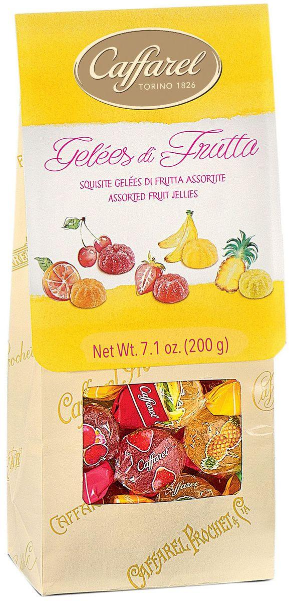 Caffarel конфеты фруктово-желейные ассорти, 200 г0120710Конфеты фруктово-желейные ассорти Каффарель отличаются ароматом свежих ягод и натуральным вкусом. Приготовлены по традиционному итальянскому рецепту из натуральных ингредиентов. Великолепны в качестве подарка и дополнения к чаепитию. О компании. Компания Caffarel, расположенная в Турине, пользуется бесспорной репутацией лидера на итальянском шоколадном рынке. История компании началась с того, что в конце 18 века сеньор Доре Бозелл изобрел машину по измельчению и смешиванию какао-бобов. В 1826 году Пьер Поль Каффарель приобрел это изобретение для своей шоколадной мастерской на улице Балбис в Сан-Донато, в Турине. Вскоре компания Caffarel выпускает свою визитную карточку - конфеты Джандуйа. Около 30 процентов этой конфеты состояло из перемолотых лесных орехов. Свое название конфеты получили по имени карнавального персонажа-марионетки Джандуйа (GIANDUJA), олицетворяющего образ коренного жителя Пьемонта - итальянской области. Форма конфет так же была связанна с куклой, в основу конфет была положена треугольная шляпа персонажа.В 1865 году во время карнавала Каффарель угощал всех желающих своим новым изобретением от лица куклы Джандуйа. Конфеты пришлись по вкусу всем участникам карнавала, а начинка из перемолотых орехов вскоре получила имя - пралине.