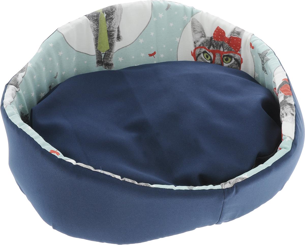 Лежак для животных GLG Фигурный, цвет: синий, 48 х 39 х 21 смL007_синийЛежак для кошек и собак GLG Фигурный обязательно понравится вашему питомцу. Изделие выполнено из хлопка и полиэстера, внутренняя поверхность дополнена оригинальным рисунком. Наполнитель из поролона прекрасно держит форму бортиков. Основание изготовлено из нетканого материала. Лежак оснащен съемной подушкой с мягким синтепоном внутри. Высокие фигурные бортики обеспечат вашему любимцу уют. Такой лежак станет излюбленным местом вашего питомца, подарит ему спокойный и комфортный сон, а также убережет вашу мебель от шерсти.
