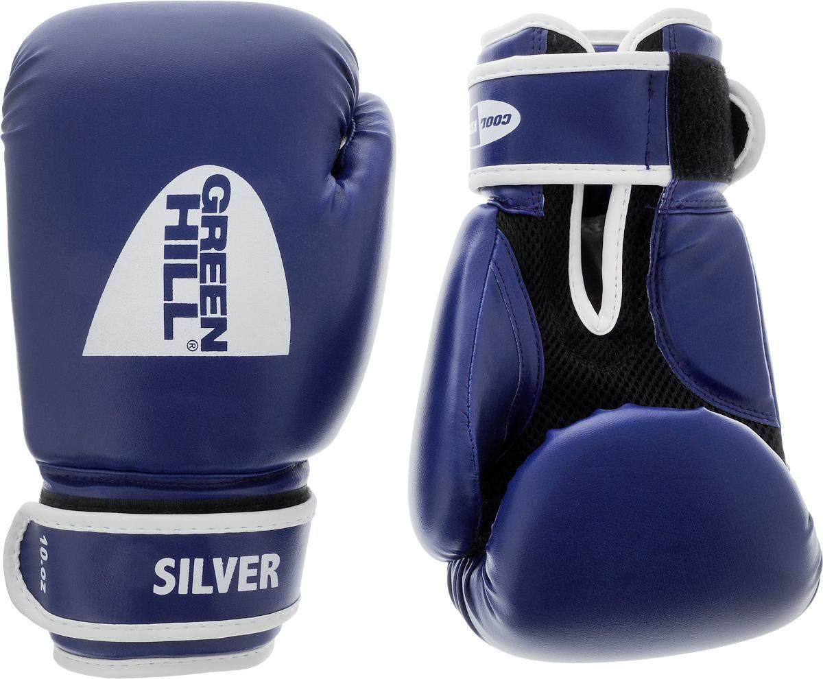 Боксерские перчатки Green Hill Silver, цвет: синий, белый. Размер 10 унций. BGS-2039adiBT021Боксерские перчатки Green Hill Silver подойдут для легких спаррингов и тренировок. Верх выполнен из высококачественной искусственной кожи, наполнитель - из вспененного полимера. Ладонь выполнена по технологии, которая позволяет руке дышать. Манжет на липучке способствует быстрому и удобному надеванию перчаток, плотно фиксирует перчатки на руке.