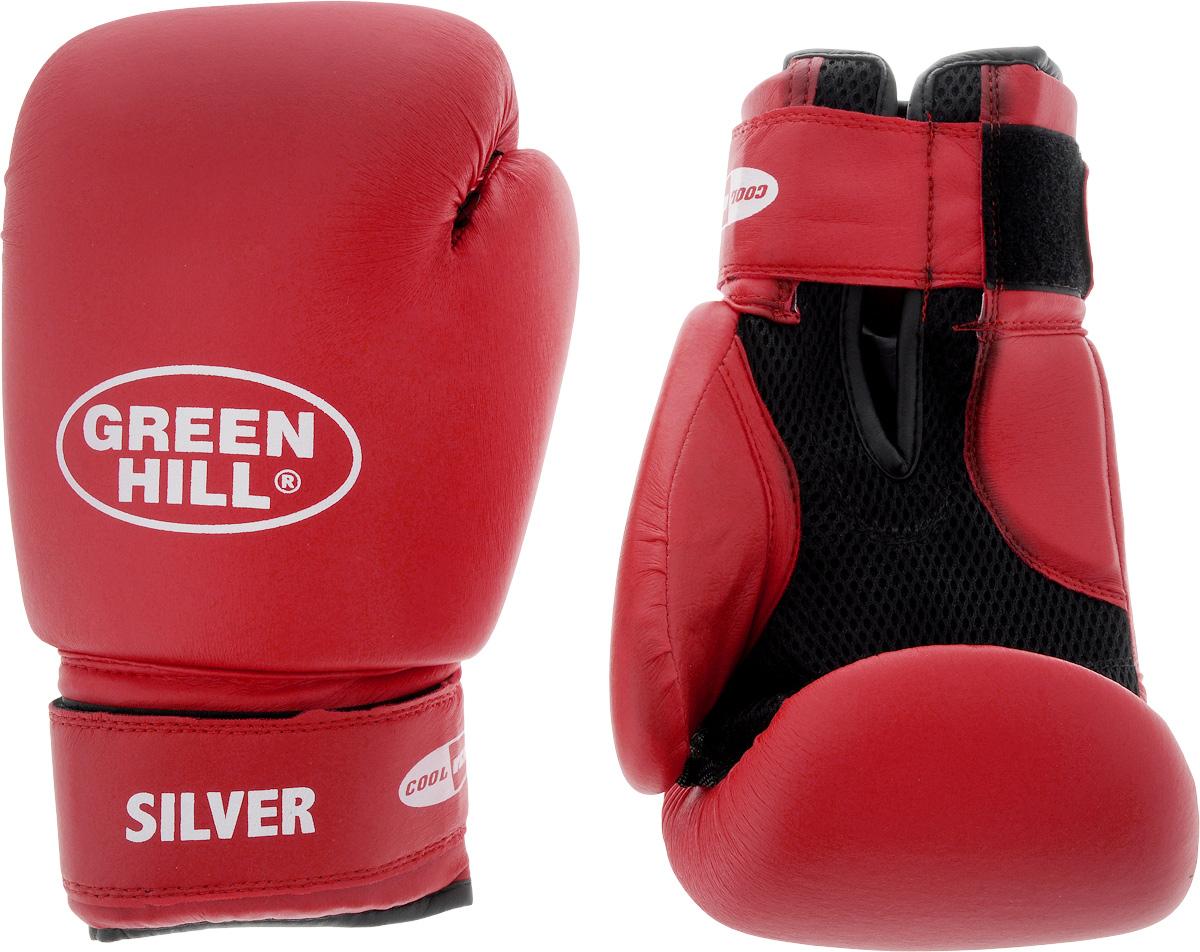 Боксерские перчатки Green Hill Silver, цвет: красный, белый. Размер 12 унций. BGS-2039AIRWHEEL M3-162.8Боксерские перчатки Green Hill Silver подойдут для легких спаррингов и тренировок. Верх выполнен из высококачественной искусственной кожи, наполнитель - из вспененного полимера. Материал на ладони выполнен по технологии, которая позволяет руке дышать. Манжет на липучке способствует быстрому и удобному надеванию перчаток, плотно фиксирует перчатки на руке.