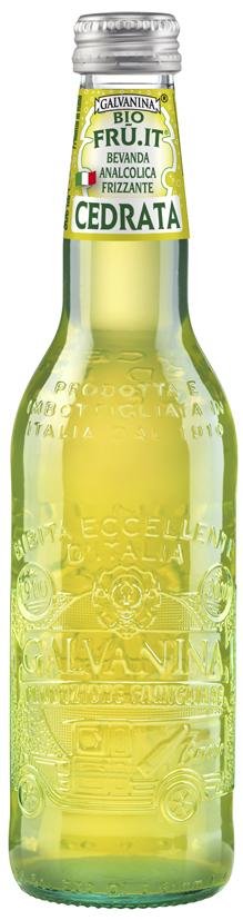Galvanina BIO Cedrata напиток цитрон, 355 мл8007885753030Лимонад гальванина относится к премиум напиткам среди без алкоголя содержащих. Высокая стоимость оправдана во многом способом его приготовления. Завод располагается в Италии, где из чистой ключевой воды и фруктов делают этот чудо-напиток. Отборные плоды доставляется из Сицилии, после чего их ждем процесс холодного отжима, что позволяем сохранить в выжатом соке все витамины и элементы. Затем по особой технологии ингредиенты обрабатываются и смешиваются, так и получается достаточно полезный и вкусный, натуральнейший лимонад, который не оставит без положительного мнения даже самого привередливого потребителя.