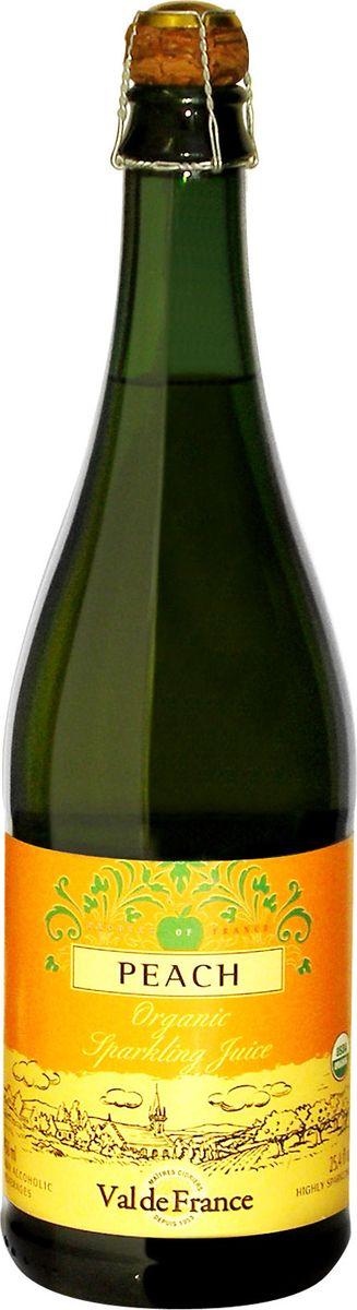 Val De France напиток газированный персик, 0,75 л851231000129Val De France - это игристый сок из натуральных фруктов, изготавливаемый в старинной французской провинции Бретань, прославленной кальвадосом, сидром и игристыми напитками на основе минеральной воды. Французские лимонады Val De France обладают сладковато-кислым, слегка горьковатым утонченным вкусом, который не оставит равнодушным даже самого взыскательного сомелье. Разливаются лимонады в оригинальные бутылки, закупоренные пробкой, изготовленной из пробкового дерева. Может использоваться как детское шампанское на детских мероприятиях.