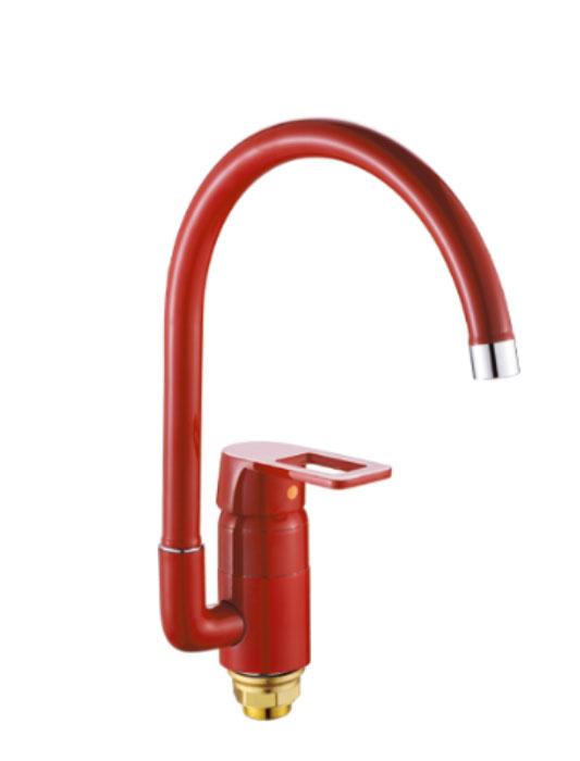Смеситель для кухни РМС, с высоким изливом, цвет: красный. SL77R-017F68/2/3Смеситель для кухни РМС предназначен для смешивания холодной и горячей воды, устанавливается на мойку. Выполнен из высококачественной латуни повышенной прочности, устойчивой к коррозии. Оснащен высоким поворотным изливом и керамическим картриджем. Крепление на гайку. Аэратор выполнен из пластика.В комплекте 2 гибких подводки.Максимальное давление: 10 бар.Испытательное давление: 16 бар.Рекомендуемое давление: 1-5 бар, при давлении выше 6 бар рекомендуется использовать регулятор давления.Максимально допустимая температура: +80°С.Рекомендуемая температура: +65°С.Размер присоединения к угловому вентилю для умывальника: гайка 1/2.Кран-букса керамическая: 1/2.Высота излива: 22 см.Длина излива: 25 см.Длина гибкой подводки: 35 см.