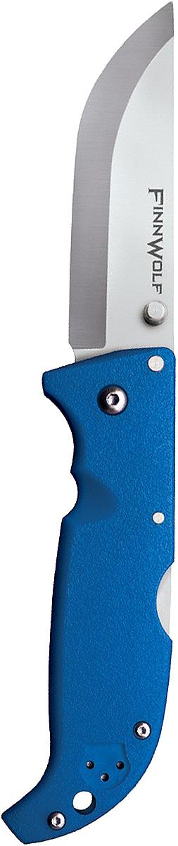 Нож складной Cold Steel Finn Wolf, цвет: синий, длина клинка 3 1/2CS/20NPLUZГлавная характеристика складного ножа Finn Wolf — универсальность. Удобная в использовании модель пригодится в повседневной жизни и туристических походах. Ей найдется применение на охоте и рыбалке. В угрожающих жизни ситуациях она станет надежным оружием самообороны.Клинок Norman blade, более известный как финский, превосходно режет и строгает, демонстрирует отличные результаты при колющем ударе. За счет скругления длина режущей кромки увеличена, что облегчает разделку охотничьей добычи.Для изготовления клинка использовалась устойчивая к коррозии сталь AUS-8A. Гибкое лезвие обладает внушительной твердостью 57–58 единиц (шкало Роквелла). Отличительная особенность модели состоит в применении шайб из фосфористой бронзы и прокладок из фторопласта в осевом узле.Режущая кромка заточена «гладким» способом. Даже при самой активной эксплуатации лезвие сохраняет остроту на протяжении долгого периода. Если же оно все-таки затупится, заточить нож можно на любом камне благодаря сечению Scandi grind. Сатинирование на этапе финишной обработки сделало клинок матовым.Открывается нож с помощью шпенька правой или левой рукой. Механизм Back-Lock надежно блокирует лезвие в заданном положении.Голубая рукоять сделана из Grivory. Этот полимер устойчив к агрессивным средам и механическим повреждениям. В жару и холод рукоять удобно ложится в руку, не выскальзывает.Нож оснащен клипсой (для ношения на поясе или в кармане) и отверстием в задней части рукояти (под страховочный корд).