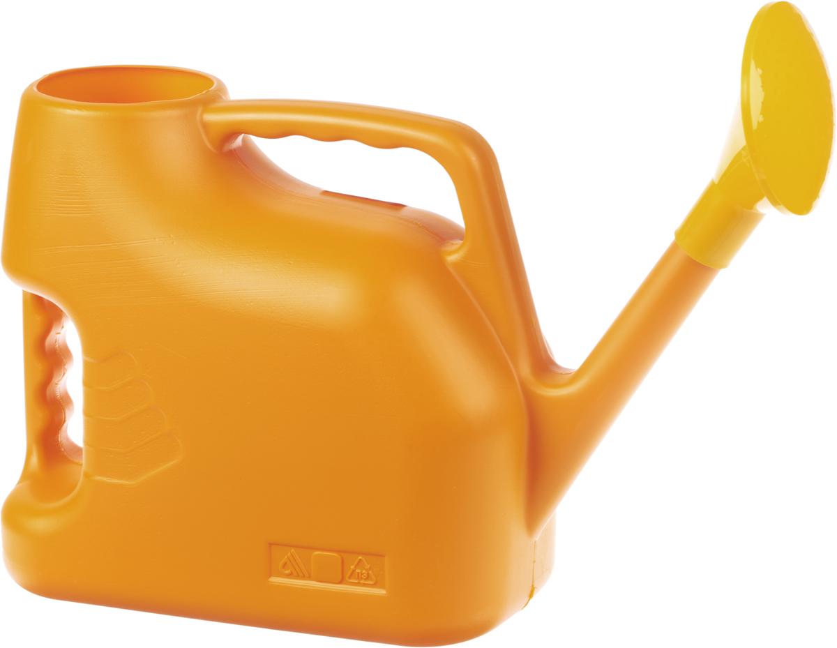 Лейка Альтернатива, цвет: оранжевый, 7 л. M222746136Садовая лейка Альтернатива предназначена для полива насаждений на приусадебном участке. Она выполнена из пластика и имеет небольшую массу, что позволяет экономить силы при поливе. Удобство в использовании также обеспечивается за счет эргономичной ручки лейки. Выпуклая насадка позволяет производить равномерный полив, не прибивая растения. Лейка имеет большое горлышко для наливания воды. Лейка Альтернатива станет незаменимой на вашем огороде или в саду.