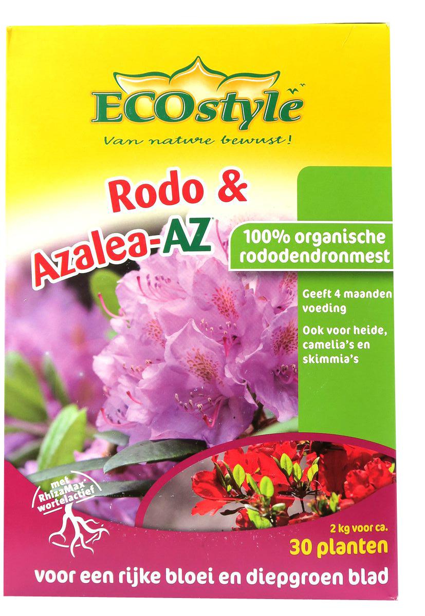 Натуральное органическое удобрение EcoStyle, для любых сортов Рододендронов и растений,предпочитающих кислые почвы, 2 кг на 20 м2AK-02-L100% натуральное органическое удобрение, в котором содержание основных макро- и микроэлементов оптимально для кислотолюбивых растений (рододендронов, азалии, скиммии и вереска). Разработано для профессионального применения, отвечает самым жёстким требованиям к экологической безопасности. Содержит смесь почвенных микроорганизмов, обеспечивающих удобрению высокую эффективность.Основные свойства удобрения «Рододендрон-АЗет»:•обладает быстрым и длительным действием, полностью обеспечивает растения питанием на 4 месяца;•активирует биологические процессы в почве и улучшает её физическую структуру (способствует образованию пор, доступу воздуха, воды и питательных веществ);•не вымывается из почвы после дождей, не разрушается от холода;•защищает растения от фитопатогенов, способствует разложению токсических веществ в почве.Удобрение «Рододендрон-АЗет» изготавливается из высококачественного сырья естественного происхождения. Не содержит генетически-модифицированных ингредиентов и микроорганизмов.