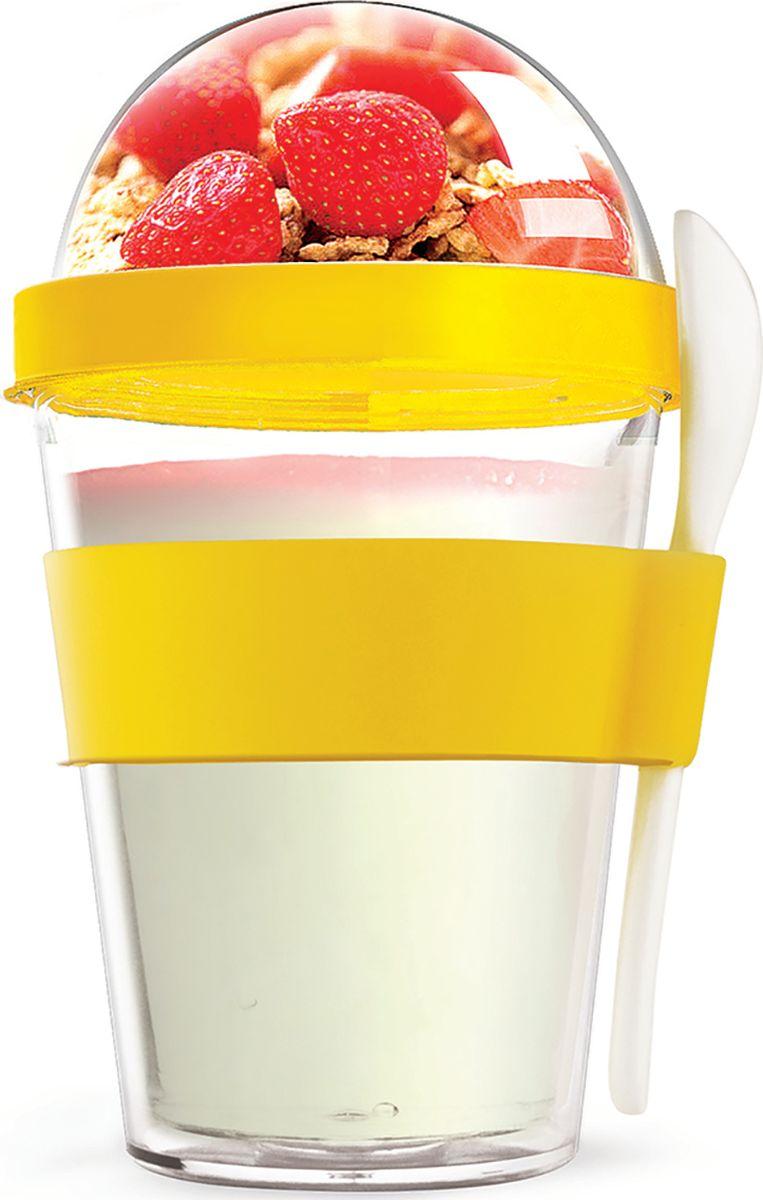 Контейнер Asobu Yo2go improved, цвет: желтый, 360 млYO2GOS yellowЗаполните контейнер вашим любимым йогуртом! Поместите свой любимый топпинг в крышку! И возьмите с собой в дорогу! Контейнер Asobu Yo2go improved позаботится о вашем вкусном десерте! Yo2go - контейнер для йогурта контеи десертов. Контейнер имеет жесткий акриловый корпус с двойными стенками. Включает в себя белую ложку из пищевого безопасного пластика ABS, которая помещается в силиконовое кольцо и никогда не выскользнет. Для удобного удерживания контейнер обернут силиконовой лентой. Особенности: 360 мл.Ложка из пищевого безопасного пластика ABS.Простой и функциональный дизайн.Жесткий прозрачный акриловый корпус с двойными стенками.Крышка.Экологичный.Идеален для работы и школы.
