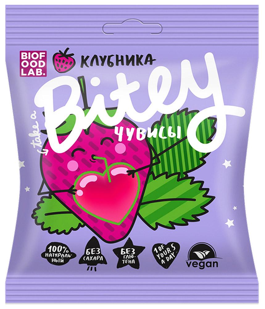 Take A Bitey чувисы клубника мармелад, 20 гУТ20434Чувисы Bitey — абсолютно натуральный жевательный мармелад, разработанный специально для детей.В составе нет консервантов, сои, молока, глютена, добавленного сахара, ГМО, желатина. В составе жевательного мармелада используется пектин.Пектин – абсолютно натуральный ингредиент, который получают из яблок. Пектин является естественным очистителем организма от шлаков, благодаря его обволакивающим и вяжущим свойствам он благоприятно сказывается на состоянии слизистой оболочки желудочно-кишечного тракта.