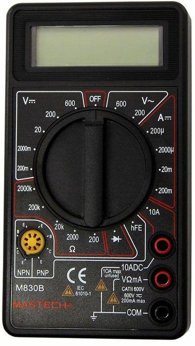Портативный мультиметр Mastech M830B13-2001Мульти?метр —электроизмерительный прибор который включает в себя несколько функций и набор измеряемых параметров. Все приборы серии M830 измеряют постоянное и переменное напряжение, постоянный ток и сопротивление в цепи. А так же с помощью данного прибора можно проводить тестирование диодов. Прибор M830B является портативным мультиметром, компактные размеры позволяют всегда носить его с собой. Но, несмотря на малые размеры, данный мультиметр обладает широким функционалом и это выгодно отличает его от других. Инженеры старались сделать прибор максимально удобным для использования. Выбор измеряемых величин и пределов измерений производиться с помощью усиленного поворотного регулятора, благодаря которому исключается возможность случайного нажатия. Прибор изготовлен из высококачественных материалов, калибровка и тестирование приборов произведено под контролем компании REXANT INTERNATIONAL.Характеристики:Постоянное напряжение: 200mВ/2В/20м/200В (±0,5%), 600В (±0.8%)Переменное напряжение: 200В/600В (±1,2%)Постоянный ток: 200мкА/2мА/20мА (±1.0%), 200мА (±1.5%), 10A (±3.0%)Сопротивление: 200Ом/2КОм/20КОм/200Ком (±0.8%), 2Мом (±1%) Коэффициент усиления транзисторов h21: до 10003х разрядный дисплейТестирование диодов Ручной выбор предела измеренийРазмер (мм): 70*126*24Тип батареи: : 9В КронаВес: 170г