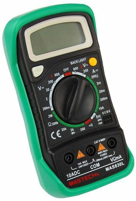 Портативный мультиметр Mastech MAS830L13-2007Мульти?метр —электроизмерительный прибор который включает в себя несколько функций и набор измеряемых параметров. Все приборы серии MAS830 измеряют постоянное и переменное напряжение, постоянный ток и сопротивление в цепи. А так же с помощью данного прибора можно проводить тестирование диодов и прозвонку целостности цепи. Прибор MAS830L является портативным мультиметром, компактные размеры позволяют всегда носить его с собой. Но, несмотря на малые размеры, данный мультиметр обладает широким функционалом и это выгодно отличает его от других. Прибор имеет функцию удержания результата измерений Data hold, для тех случаев, когда измерения проводятся в труднодоступных местах и не всегда есть возможность взглянуть на экран. Дисплей прибора оснащен подсветкой, которая позволяет проводить измерения даже в слабоосвещенных местах. Инженеры старались сделать прибор максимально удобным для использования. Выбор измеряемых величин и пределов измерений производиться с помощью усиленного поворотного регулятора, благодаря которому исключается возможность случайного нажатия. Прибор изготовлен из высококачественных материалов, калибровка и тестирование приборов произведено под контролем компании REXANT INTERNATIONAL.Характеристики:Постоянное напряжение: 200mВ/2В/20В/200В (±0,5%+3), 600В (±0,8%+5)Переменное напряжение: 200В/600В (±1,2%+10)Постоянный ток: 20мкА/200мкА/2мА/20мА/200мА(±1,0%+3), 10A (±3,0%+10)Сопротивление: 200Ом/2КОм/20КОм/200КОм (±0,8%+2), 2МОм (±1,0%+5) 4х разрядный дисплей Ручной выбор предела измеренийТестирование диодовПрозвонка целостности цепиРежим удержания измерений Data holdДисплей с подсветкойИмпеданс: <50ОмРазмер (мм): 145*76*40Тип батареи: 9В Крона