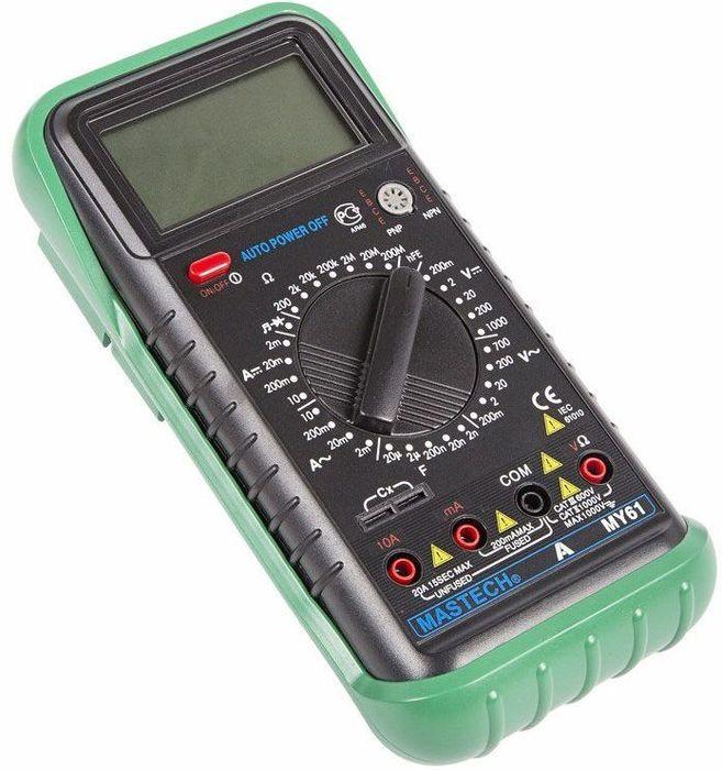 Универсальный мультиметр Mastech MY6113-2050Универсальный цифровой мультиметр Mastech МY61 позволяет измерять силу тока, постоянное/переменное напряжение, емкость конденсаторов, частоту, сопротивление, коэффициент усиления биополярных транзисторов. Чтобы выбрать пределы измерения величин, достаточно установить нужное положение многопозиционного переключателя. Прибор оснащен крупным цифровым ЖК-дисплеем, на который выводятся результаты измерений. Имеются режим прозвонка и диод-тест. При бездействии устройство выключается автоматически примерно через 40 минут. Модель работает от 1 батарейки 9 В типа Крона. ХАРАКТЕРИСТИКИ: Разрядность шкалы мультиметра: 2000 отсчетовПостоянное напряжение: 200мВ/2В/20В/200В (0±0.5%), 1000В (±0.8%)Переменное напряжение: 200мВ (±1.2%), 2В/20В/200В (±0.8%), 700В (±1.2%)Постоянный ток: 2мА/20мА (±0.8%), 200мA (±1.5%), 10A (±2.0%)Переменный ток: 2мА/20мA (±1.0%), 200мA (±0.8%), 10A (±3%Сопротивление: 200Ом/2KОм/20KОм/200Kом/2MОм (±0.8%+3), 20M (±1.0%), 200MОм (±5.0%)Емкость конденсаторов: 2000нФ/20нФ/200нФ/2мкФ (±4%+3), 200мкФ (±6%+10)Коэффициент усиления транзисторов по току: 1 - 1000Прозвонка соединенийДиодный тестКомплект поставки: Мультиметр,Чехол, Инструкция