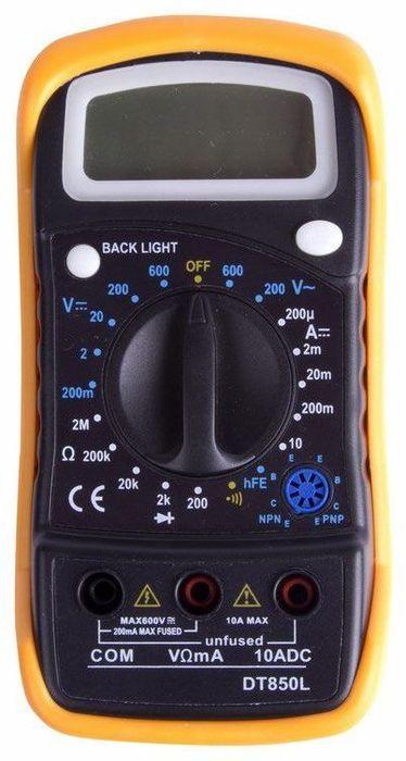 Универсальный мультиметр PROconnect MAS830L(DT850L)13-3021Мультиметр - электроизмерительный прибор который включает в себя несколько функций и набор измеряемых параметров. Все приборы серии MAS830 измеряют постоянное и переменное напряжение, постоянный ток, сопротивление в цепи и температуру (для модели 838L). А так же с помощью данного прибора можно проводить тестирование диодов и прозвонку целостности цепи. Прибор MAS830L является портативным мультиметром, компактные размеры позволяют всегда носить его с собой. Но, несмотря на малые размеры, данный мультиметр обладает широким функционалом и это выгодно отличает его от других. Инженеры старались сделать прибор максимально удобным для использования. Выбор измеряемых величин и пределов измерений производиться с помощью усиленного поворотного регулятора, благодаря которому исключается возможность случайного нажатия.