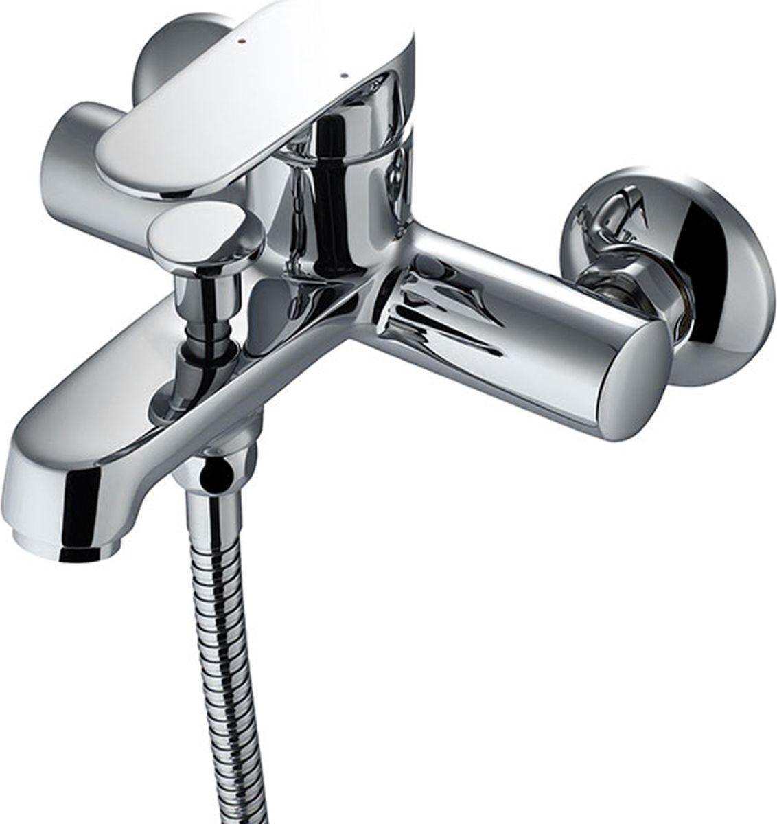 Смеситель для ванны Milardo Dover, цвет: хромVOLSB00M01Смеситель для ванны Milardo® изготовлен из высококачественной первичной латуни, прочной, безопасной и стойкой к коррозии. Инновационные технологии литья и обработки латуни, а также увеличенная толщина стенок смесителя обеспечивают его стойкость к перепадам давления и температур. Увеличенное никель-хромовое покрытие полностью соответствует европейским стандартам качества, обеспечивает его стойкость и зеркальный блеск в течение всего срока службы изделия. Благодаря гладкой внутренней поверхности смесителя, рассекателям в водозапорных механизмах и аэратору он имеет минимальный уровень шума.Ручная фиксация дивертора позволяет комфортно принимать душ даже при низком давлении воды. В комплект входят лейка и шланг из нержавеющей стали длиной 1,5 м с защитой от перекручивания.Гарантия на смесители Milardo® – 7 лет. Гарантия на лейку и шланг составляет 1 года.