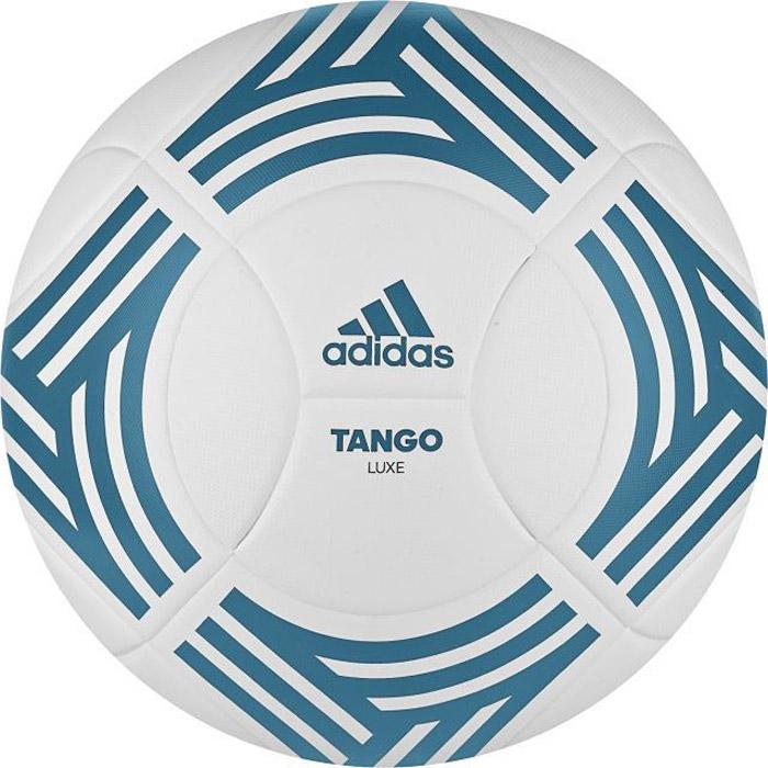Мяч футбольный Adidas Tango Lux, цвет: белый, синий. BP8684. Размер 5231_002Футбольный мяч adidas Performance TANGO LUX выполнен из натурального каучука с обработкой машинной строчкой для дополнительной прочности и идеального контроля. Нейлоновая нить для дополнительной прочности. Камера из латекса для точного отскока