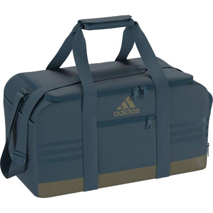 Сумка Adidas 3S Per Tb S, цвет: синий. BR5137BM8434-58AEВместительная и удобная спортивная сумка Adidas 3S Per Tb S с U-образным основным отделением на молнии для быстрого доступа к вещам. Обувь или влажную форму можно положить в вентилируемый отсек. Для мелких вещей предусмотрен передний карман на молнии. Мягкие ручки и удобный наплечный ремень..U-образное основное отделение на молнии для быстрого доступа к вещам; передний карман на молнии; боковой карман из сетки; вентилируемое отделение для обуви.Регулируемый наплечный ремень с мягкой подушечкой; мягкая ручка-петля для переноски.Износостойкая нижняя часть с покрытием из термополиуретана.Три полоски в тон и логотип adidas на лицевой стороне.Размеры: 23 см x 25 см x 50 см