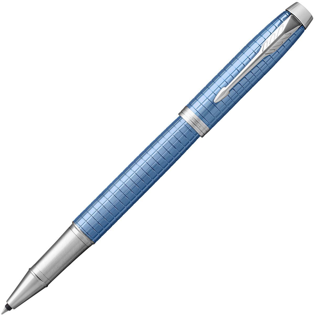 Parker Ручка-роллер IM Premium Blue CTPARKER-1931690Материал корпуса: Голуюой полированный анодированный алюминий.Покрытие корпуса: Корпус из полированного алюминия с выгравированными оригинальными графическими узорами, хромовое покрытие.Материал отделки деталей корпуса: Хром.Способ подачи стержня: колпачок.Сделано в Китае.