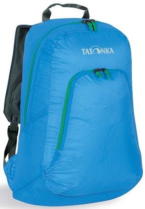 Городской рюкзак Tatonka Squeezy, цвет: голубой, 18 л. 2217.1942217.194Универсальный складной сверхлегкий рюкзак. Оснащен мягкими лямками, обтянутыми сеточкой и накладным карманом на молнии с держателем ключей. Squeezy изготовлен из очень легкого материала T-Rip Light с силиконовым покрытием и складывается во внутренний карман, превращаясь в аккуратную сумочку размером 13 см х 14 см х 5 см. При этом рюкзак имеет приличный объем и вполне комфортабелен при переноске.Особенности:Подвеска Padded Back.Материал T-Rip Light.Накладной передний карман.Мягкие лямки.Ручка для переноски.Складывается во внутренний карман малого объема.Держатель ключей.Объем 18 л.Уважаемые клиенты! Обращаем ваше внимание, что цвет молний может отличаться от цвета на фото.