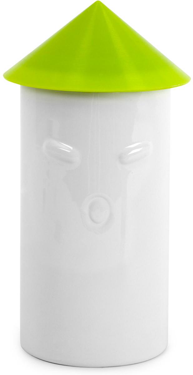 Контейнер для сыпучих продуктов Balvi I Love Rice, цвет: белый, 1 л25590Оригинальный и практичный контейнер для хранения риса I love Rice обладает оптимальной емкостью - 1 литр - и прекрасно справляется с поставленной задачей. С этим контейнером вы забудете об испорченном рисе, а уникальный дизайн емкости отлично впишется в интерьер вашей кухни. Контейнер имеет форму тубуса - самурая, а конусообразная крышка - шляпа, которая плотно крепится к основанию, также послужит мерной емкостью. Контейнер изготовлен из качественной керамики и позаботится о том, чтобы рис не напитался влагой и посторонними запахами. Контейнер для риса I love Rice станет отличным презентом любой хозяйке.- Контейнер изготовлен из качественной керамики в виде самурая в шляпе.- Не пропускает влагу и сохраняет первоначальную свежесть риса.- Вместительная емкость (1 л).