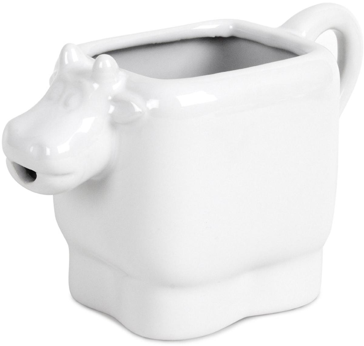 Молочник Balvi Moo, цвет: белый115510Стильный и оригинальный керамический молочник в виде милой коровы, станет настоящим украшением для любой кухни. Молочник очень прост в использовании, и благодаря удобному носику молоко никогда не будет разливаться. Молочник не требует особого ухода, его достаточно промыть под теплой водой с добавлением моющего средства после использования. Молочник станет прекрасным украшением обеденного стола, а ваши дети будут в восторге от его внешнего вида. Позитивный и яркий дизайн заставит ваших детей пить молоко каждый день!-Позитивный и оригинальный дизайн в виде милой коровы-Изготовлен из белоснежной керамики-Специальный носик для выливания молока -Легко моется под струей теплой воды
