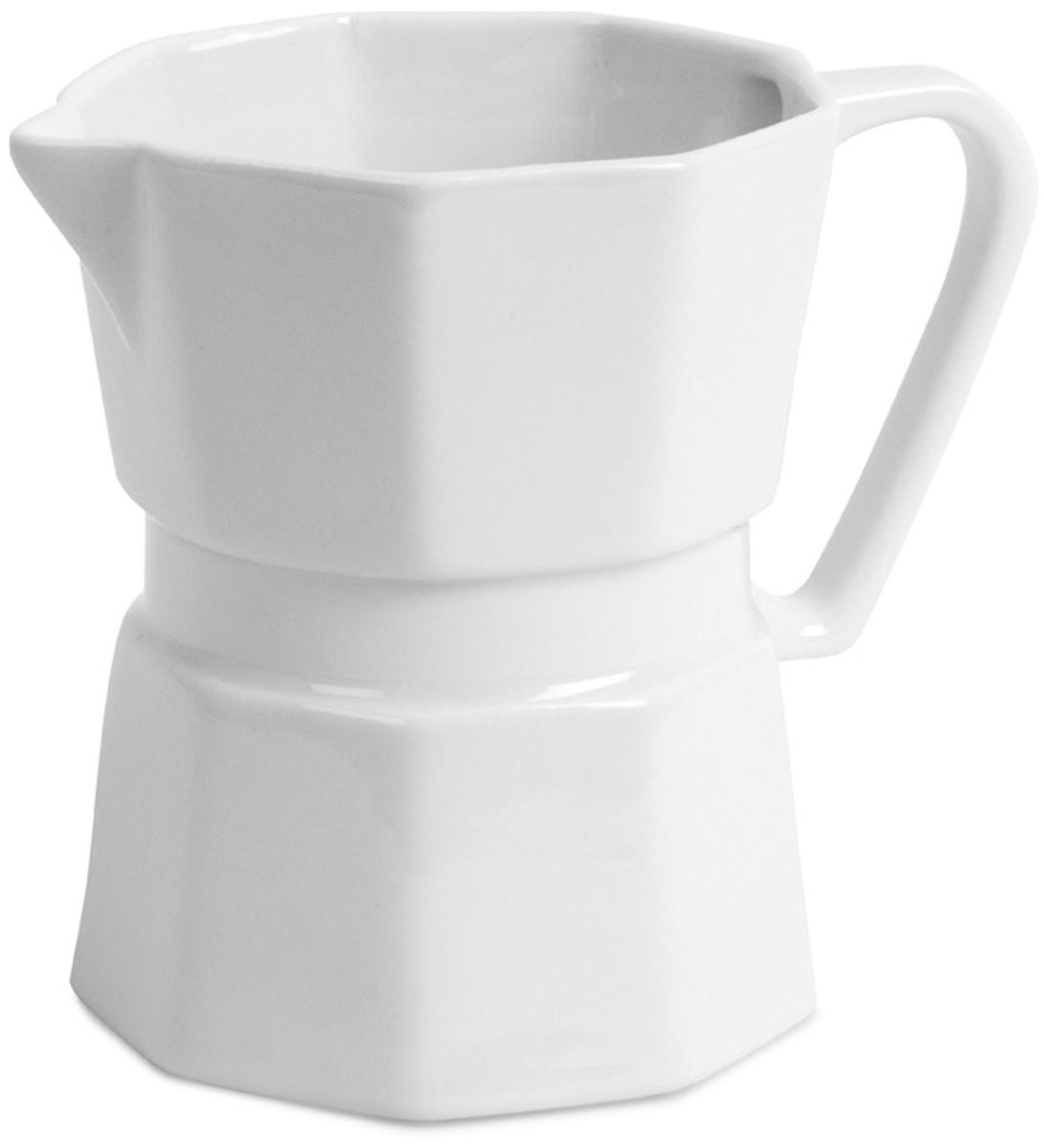Кружка Balvi Moka, цвет: белый, 400 мл391602Если вы любите кофе, то стильная и современная кружка Moka станет для вас незаменимой вещью в повседневном использовании. Кружка с виду напоминает чайничек для заваривания кофе и изготовлена из очень качественной керамики. Благодаря специальному носику Moka можно использовать и как молочник. Эта кружка станет настоящим открытие для людей, которые предпочитают практичность и надежность. Толстые стенки кружки защитят вас от обжигания рук. Истинные ценители кофейных напитков наверняка оценят завораживающий вкус кофе, который не потеряет своих первозданных качеств благодаря кружке Moka.-Привлекательный дизайн в форме чайничка для кофе-Изготовлена из белоснежной керамики-Объем кружки 400 мл