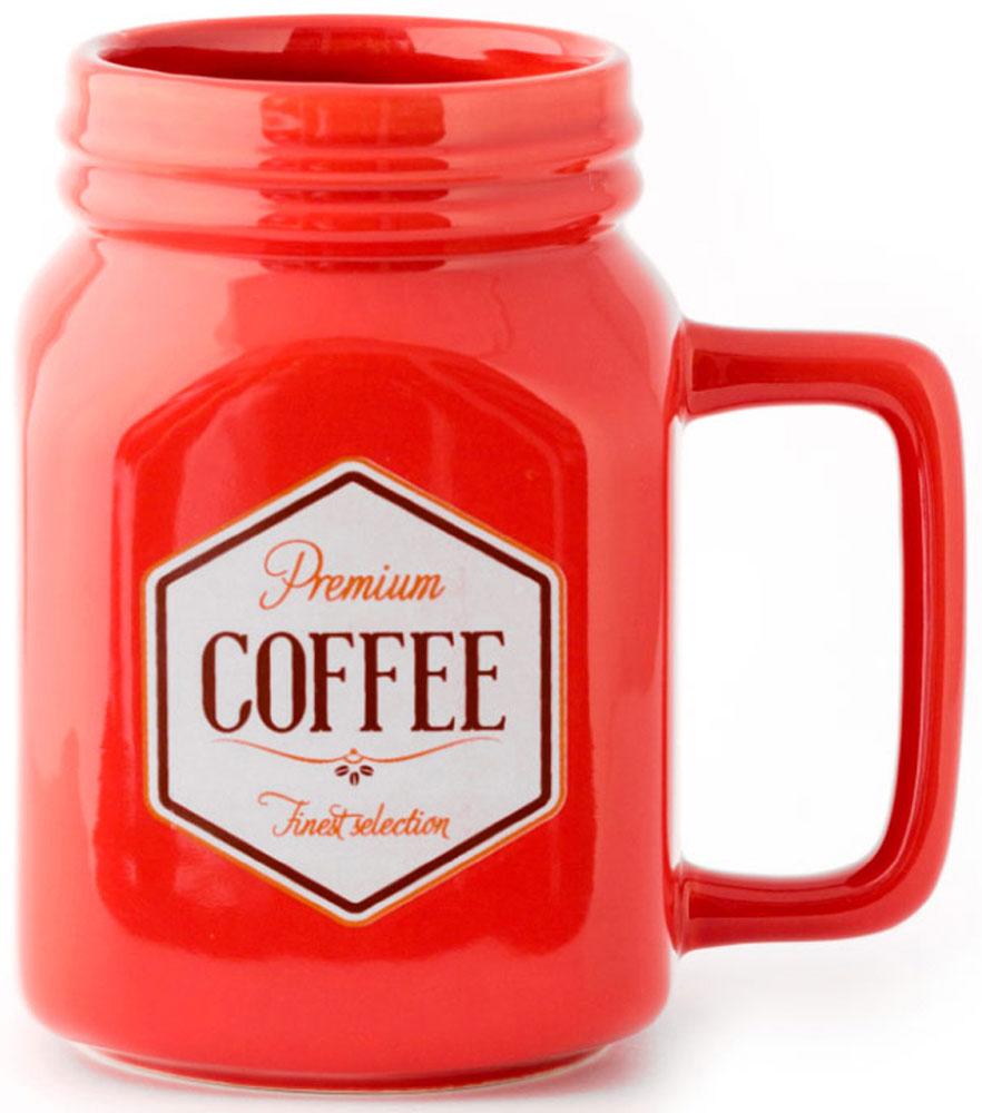 Кружка Balvi Mason, цвет: красный, 400 мл26214У многих людей день начинается с чашки бодрящего кофе, поэтому оригинальная и необычная кружка Mason станет хорошим подарком себе или близкому человеку. Принт напоминает банку молотого кофе, что подчеркивает любовь к этому напитку. А большой объем порадует тех, кто не привык наслаждаться кофе маленькими порциями.- Запоминающееся оформление в соответствии со стилем любого кофемана.- Большой объем - 400 мл.- Прочная керамика, надолго сохраняющая тепло согретого напитка.