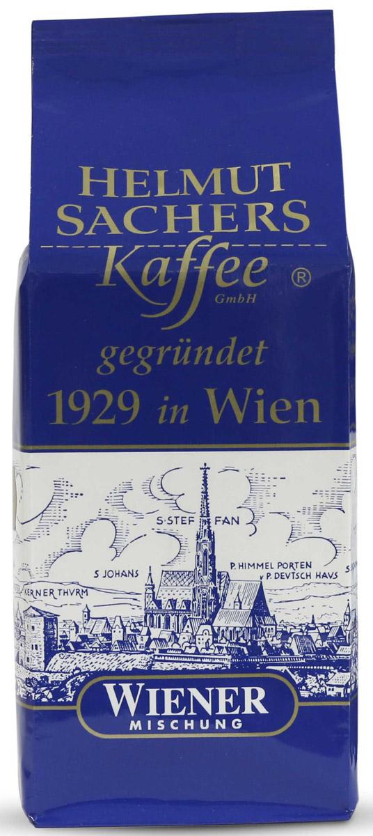 Helmut Sachers кофе венский молотый, 250 гCHLMSC-000009Helmut Sachers Wiener – один из самых востребованных бодрящих продуктов на мировом кофейном рынке. Превосходный вкусоаромат и высокое качество, проверенное временем, - вот что отличает Гельмут Захерс зерно Виенер от множества аналогичных продуктов. Это настоящий деликатес, который поразит вас многообразием вкусовых оттенков и роскошной ароматической палитрой. В насыщенном букете напитка чувствуются тона ванили, специй, шоколада и пикантная горчинка, которая делает вкус Helmut Sachers зерно Wiener еще более интересным. Продолжительное и запоминающееся послевкусие, наполненное яркими мотивами орехов, станет логическим завершением дегустации бодрящего напитка. Гельмут Захерс зерно Виенер станет прекрасным началом дня или его завершением. Этот продукт взбодрит и порадует своим многогранным вкусом, так что масса положительных эмоций после его употребления гарантирована. Если вы хотите порадовать знакомого кофемана достойным подарком или же сами желаете попробовать премиальный бодрящий продукт, то советуем приобрести Helmut Sachers зерно Wiener. Этот напиток вас не разочарует!