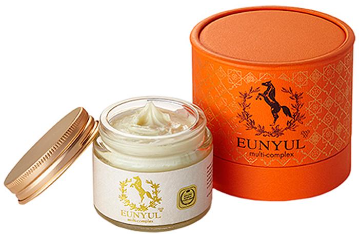 Eunyul Крем с лошадиным маслом,8809441110000Многофункциональный крем с лошадиным масломЛошадиное масло – натуральный продукт, позволяющий справиться с различными проблемами кожи. Потеря упругости, сухость, шелушения, огрубевшие участки кожи – от всего этого спасёт крем с лошадиным маслом. Также он эффективно защищает кожу от вредного воздействия окружающей среды, от обветривания и других негативных факторов. Крем Multi-Complex Horse Oil Cream от Eunyul – насыщенное средство на основе лошадиного масла. Предназначен для глубокого питания, увлажнения и восстановления кожи. Подходит для любого типа, но особенно рекомендуется для сухой, склонной к шелушению и увядающей кожи. Состав лошадиного жира близок к человеческому жиру, поэтому он быстро впитывается и хорошо воспринимается кожей и оказывает на нее благоприятное воздействие. Сразу при нанесении крем увлажняет кожу, устраняет шелушения, питает и смягчает. При регулярном применении улучшает обмен веществ и значительно ускоряет процесс обновления клеток кожи. Оказывает стимулирующее действие на выработку коллагена, благодаря чему кожа становится более упругой и эластичной, разглаживаются морщины, осветляется пигментация.