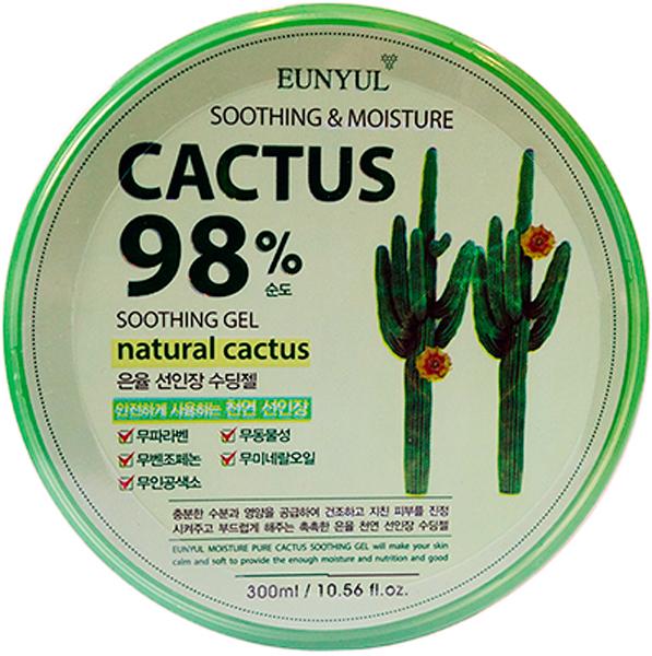 Eunyul Успокаивающий увлажняющий гель с кактусом, 300 мл8809435401541Опунция – священное у мексиканцев растение, что не мешало им и много веков назад, и в настоящее время использовать все его части и в кулинарии, и для лечения различных заболеваний. Современная косметология не обходит кактус стороной, что совсем не удивительно, так как это растение, состоящее на 88-95 % из воды, содержит много полезных для здоровья и красоты кожи веществ, среди которых витамины, минералы, сахара, стеролы, незаменимые жирные кислоты. Экстракт кактуса содержит антиоксиданты, которые защищают кожу от воздействия свободных радикалов и преждевременного старения, а также помогают коже противостоять негативным факторам окружающей среды (ультрафиолет, радиация, загрязнения воздуха). Cactus Moisture Soothing Gel от Eunyul – многофункциональный гель, который содержит 98% экстракта кактуса. Подходит для кожи лица, тела, для ухода за волосами и ногтями. Гель с экстрактом кактуса превосходно увлажняет и освежает кожу, оказывает питательное, смягчающее и восстанавливающее действие, способствует укреплению и разглаживанию кожи, улучшает цвет лица. При использовании в качестве экспресс-маски на веки дарит глазам освежение и охлаждение, снимает усталость с глаз. Успокаивающие, противовоспалительные и ранозаживляющие свойства делают гель незаменимым для раздраженной кожи, а также после загара или эпиляции. Натуральный состав средства позволяет использовать его для ухода за детской кожей, гель подойдет и для мам, и для пап. Заменит собой сразу несколько средств, поэтому идеален в поездках и путешествиях. В составе геля НЕТ парабенов, искусственных красителей и отдушек. Средство гипоаллергенно, не комедогенно.