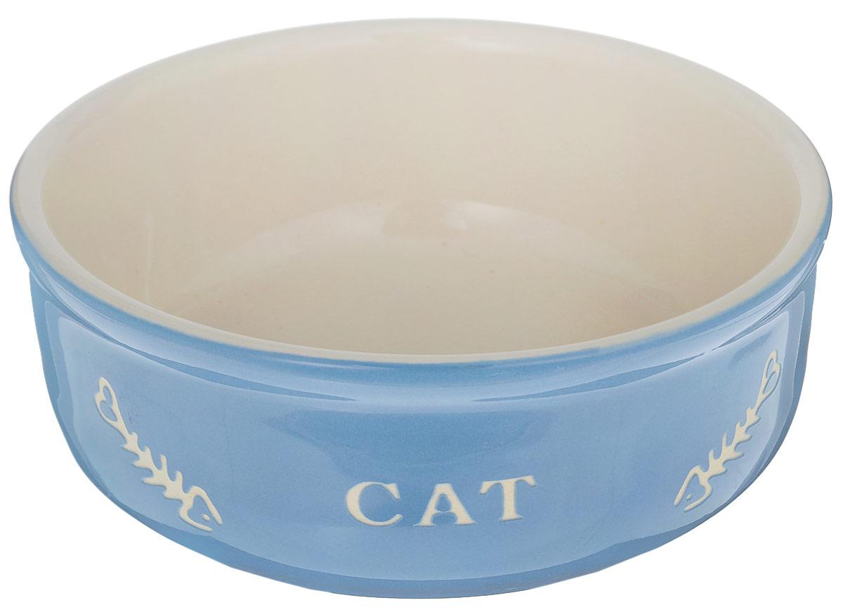Миска для кошек Nobby Cat, цвет: голубой, светло-бежевый, 240 мл0120710Миска для кошек Nobby Cat выполнена из керамики, покрытой глазурью. Внешние стенки дополнены рельефными рисунками и надписями. Миска достаточно тяжелая, поэтому не будет скользить по полу. Диаметр миски: 13,5 см. Высота миски: 5 см.