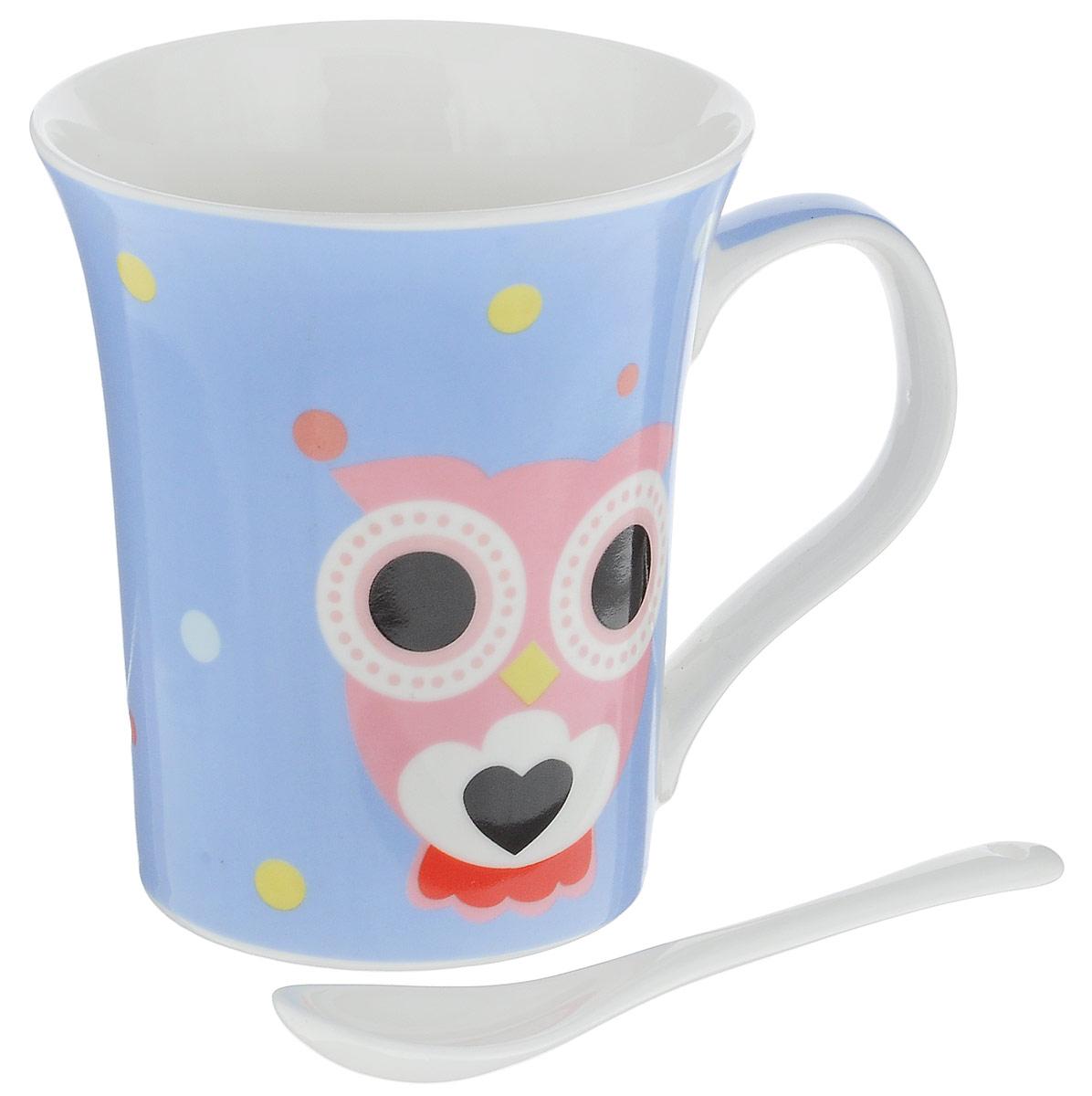 Кружка Доляна Совята, с ложкой, цвет: голубой, розовый, 300 мл836426_сиреневыйКружка Доляна Совята изготовлена из высококачественной глазурованной керамики. Изделие имеет удобную ручку. Внешние стенки дополнены забавными изображениями сов. Такая кружка прекрасно оформит стол к чаепитию. В комплект входит чайная ложка. Диаметр кружки (по верхнему краю): 9 см.Высота кружки: 10,5 см.Длина ложки: 10 см.