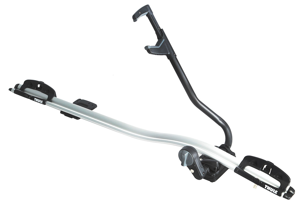 Крепление велосипедное Thule ProRide, на крышу автомобиля. 591591Вертикальный велосипедный багажник Thule ProRide предназначен для максимально быстрой и удобной установки велосипедов весом до 20 кг. Особенности:Автоматическая установка велосипеда в момент фиксации благодаря уникальному дизайну держателя рамы и подставок для колес.Легкая и быстрая фиксация велосипеда — шкала ограничителя крутящего момента контролирует применяемую к раме силу при помощи очевидного признака правильной установки.Давление равномерно распределяется по большим мягким держателям, которые адаптируются к трубкам рамы велосипеда, сводя к минимуму риск ее повреждения.Надежная установка — удлиненная нижняя часть зажима не даст велосипеду упасть.Устойчивые колеса — надежно зафиксированные в интеллектуальных держателях колес с быстросъемными диагональными ремнями для фиксации.Удобный интерфейс для переноса багажника с одной стороны автомобиля на другую без помощи инструментов.В комплект включены переходники T-Track (20x20 мм) для монтажа багажника велосипеда прямо на на Т-образные пазы рейлингов багажника автомобиля.Соответствие нормам City Crash.Совместимые размеры круглых рам: 22-80 мм.Совместимые максимальные размеры овальных рам: 80 x 100 мм.Совместимые максимальные размеры колес: 3.