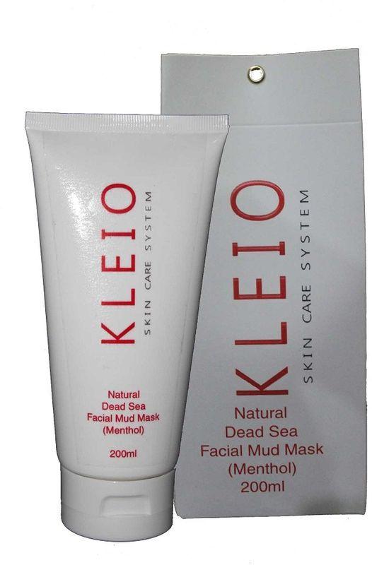 Kleio Природная грязевая маска для лица (ментол) Skin Care System Natural Dead Sea Facial Mud Mask (Menthol), 200 гK04100200Маска для лица с черной грязью Мертвого моря.Применяется всех типов кожи; глубоко и деликатно очищает поры кожи, одновременно питает ее; превосходно освежает и омолаживает; улучшает естественные природные функции кожи; придает гладкость и естественный здоровый вид; оказывает глубокое терапевтическое воздействие; маска на основе натуральной природной черной грязи Мертвого моря и благодаря огромному списку полезных природных компонентов (только одних природных минералов насчитывается около 26 шт.), маска обладает поистине чудесными свойствами; очень экономична и легко наносится на поверхность кожи.