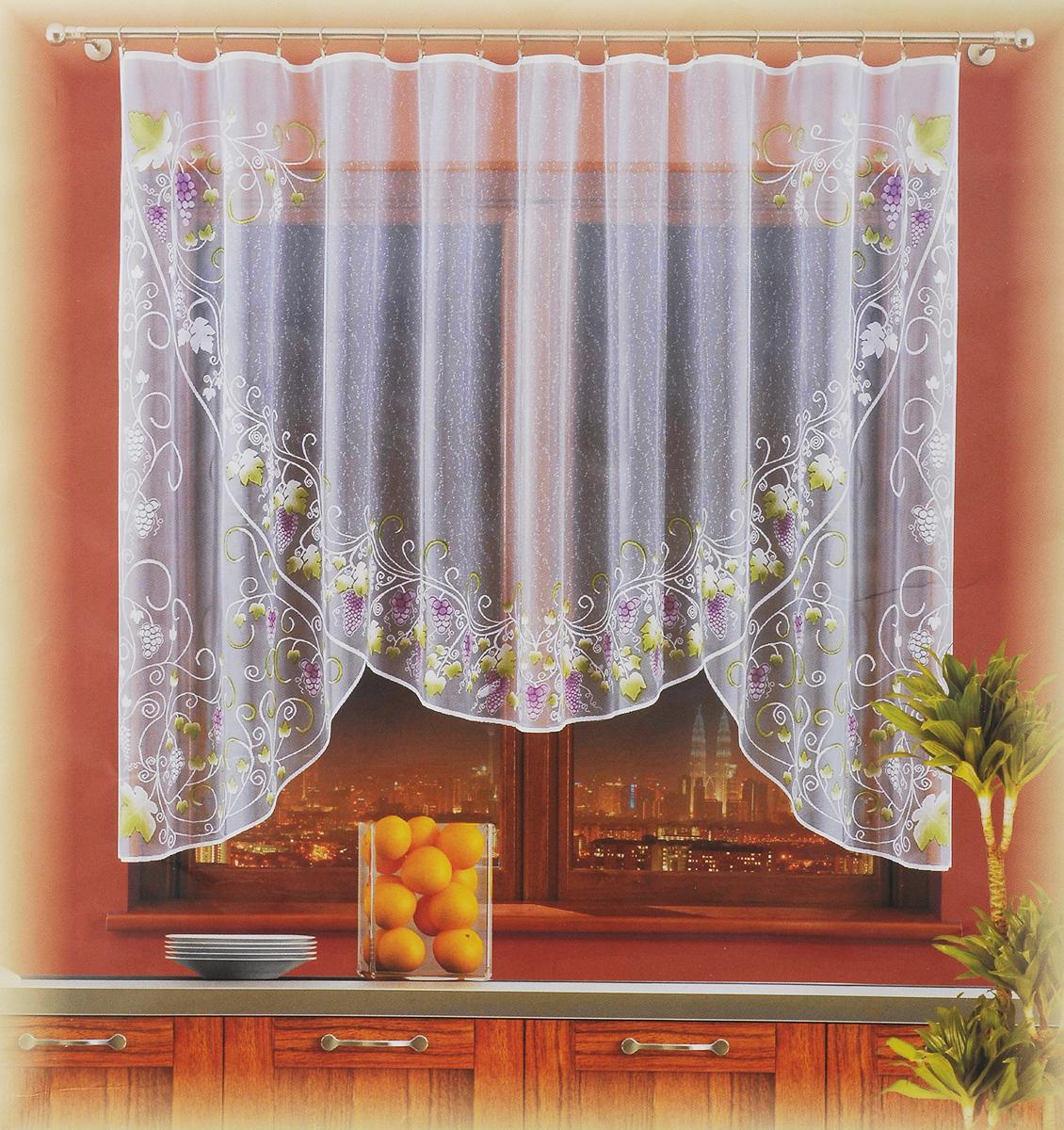 Гардина Wisan Winogrona, цвет: белый, высота 300 см723560_белый, виноград и листьяГардина Wisan Winogrona, изготовленная из полиэстера, станет великолепным украшением любого окна. Изделие, оформленное рисунком фруктов, привлечет к себе внимание и органично впишется в интерьер комнаты. Оригинальное оформление гардины внесет разнообразие и подарит заряд положительного настроения.Гардина крепится при помощи зажимов для штор (не входят в комплект).