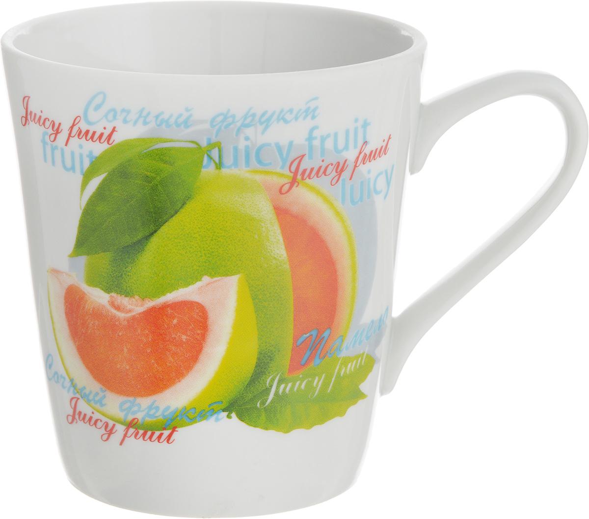 Кружка Классик. Сочный фрукт, цвет: белый, зеленый, красный, 300 мл68/5/3Кружка Классик. Сочный фрукт изготовлена из высококачественного фарфора. Изделие оформлено красочным рисунком и покрыто превосходной сверкающей глазурью. Изысканная кружка прекрасно оформит стол к чаепитию и станет его неизменным атрибутом. Диаметр кружки (по верхнему краю): 8,5 см.Высота стенок: 9,5 см.