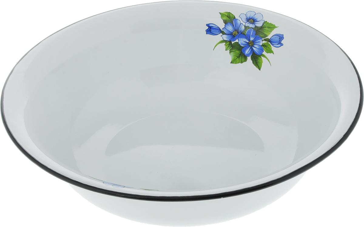 Миска Эмаль, цвет: синий, белый, зеленый, 4 л01-0314/4_синие цветыМиска Эмаль изготовлена из эмалированной стали. Такое покрытие защищает сталь от коррозии, придает посуде гладкую стекловидную поверхность и надежно защищает от кислот и щелочей. Миска подойдет для перемешивания продуктов, приготовления салатов и маринования мяса. Кроме того, изделие отлично подходит для приготовления пищи на природе. За счет ее компактного размера и формы миску удобно хранить в шкафу с другими кухонными принадлежностями. Миска Эмаль станет незаменимым аксессуаром на кухне любой хозяйки. Диаметр (по верхнему краю): 32 см. Высота стенки: 8,5 см.
