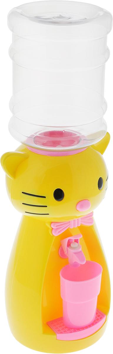 Мини-кулер для воды и сока HITT Мультик. Китти, цвет: желтый, розовый, 2 лН25200_желтый, розовыйДетский мини-кулер HITT Мультик. Китти выполнен из экологически чистого пластика. Изделие не греет и не охлаждает воду, поэтому вы можете не беспокоиться, что ребенок обожжется или простудит горло. Соки, компоты, отвары трав в этом кулере будут для малыша более привлекательны, чем лимонад и другие вредные для организма напитки. Кроха с удовольствием будет наливать напиток из кулера в небольшой стаканчик совсем как взрослый. Изделие легкое и компактное, поэтому его можно взять с собой на дачу или на пикник. Яркий дизайн, сочные цвета и веселый персонаж сделают такой кулер украшением стола на детском празднике.Ребенок станет потреблять больше жидкости. Вам не придется уговаривать его выпить молоко или компот.Стакан входит в комплект.Высота мини-кулера (с учетом бутылки): 49 см. Размер стаканчика: 6,5 х 5 х 8,5 см. Высота бутылки: 18 см.