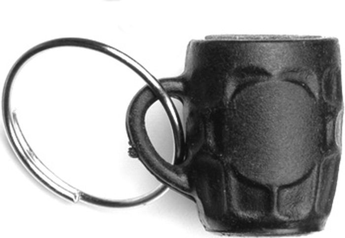 Брелок-точилка игл для дартса Harrows, цвет: черный5017626002641Брелок-точилка для стальных игл оформленный в виде пивной кружки, внутри которой абразивный материал с цилиндрическим отверстием по диаметру иглы. Удобное колечко позволяет использовать его как брелок для ключей.