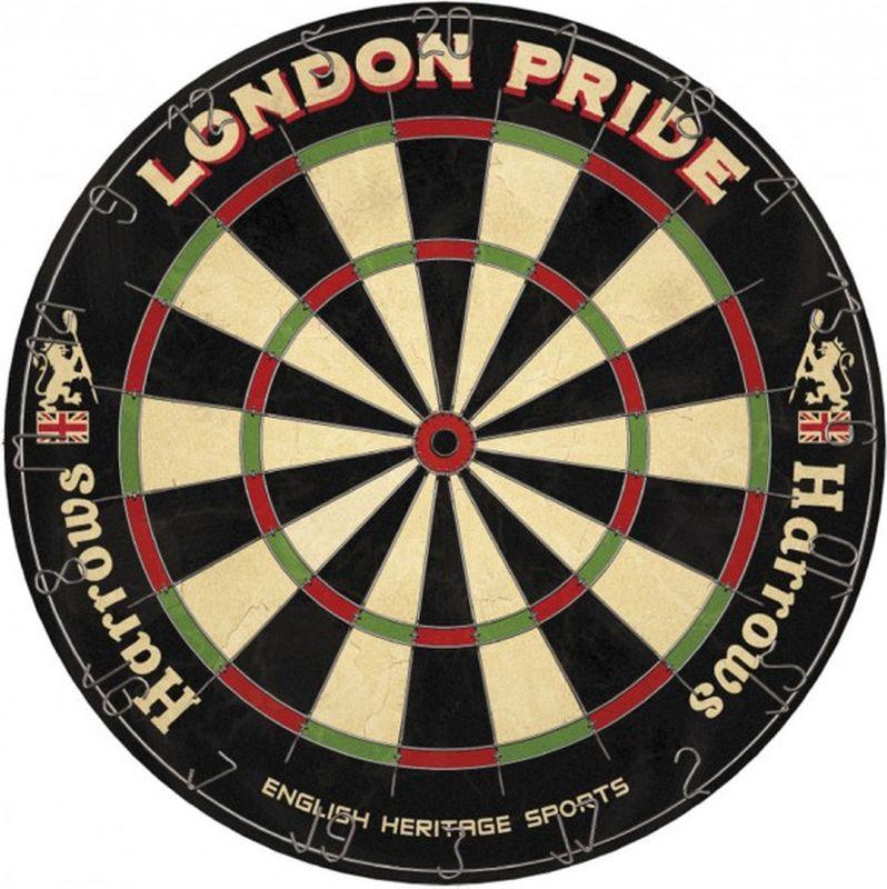 Мишень для дартса Harrows Лондон Прайд5017626010486Сделанная HARROWS в стиле старой Англии, дословно переводится как гордость Лондона.В дизайне участвуют львы как символ короны и надпись внизу переводится как Наследник английского спорта.Буллс-ай черного цвета подчеркивает старые традиции, мишень пригодна как для любительских турнирах так и для личного пользования.В целом - это товар подчеркивающий английские корни дартс как вида спорта.Мишень изготовлена из сизаля класса В (спрессованные волокна агавы) с сеткой из круглой проволоки. Начальный уровень, рекомендована для игры дома, в клубе, на работе. Дротики в комплект не входят.
