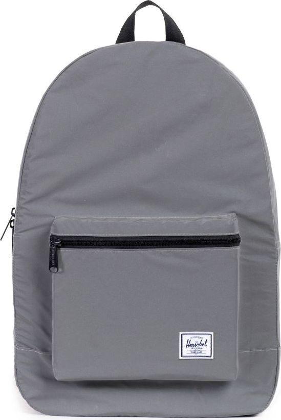 Рюкзак городской Herschel Packable Daypack, цвет: серебристый, 24,5 л. 10076-01-OS10076-01-OSHerschel Packable Daypack больше, чем рюкзак благодаря тому, что легко сворачивается в свой собственный карман, занимая минимум места в сложенном виде. Этот рюкзак можно без особых проблем захватить с собой в путешествие или на прогулку по городу и он будет занимать минимум места, пока не понадобится его полезный объем в целых 24,5 литра.