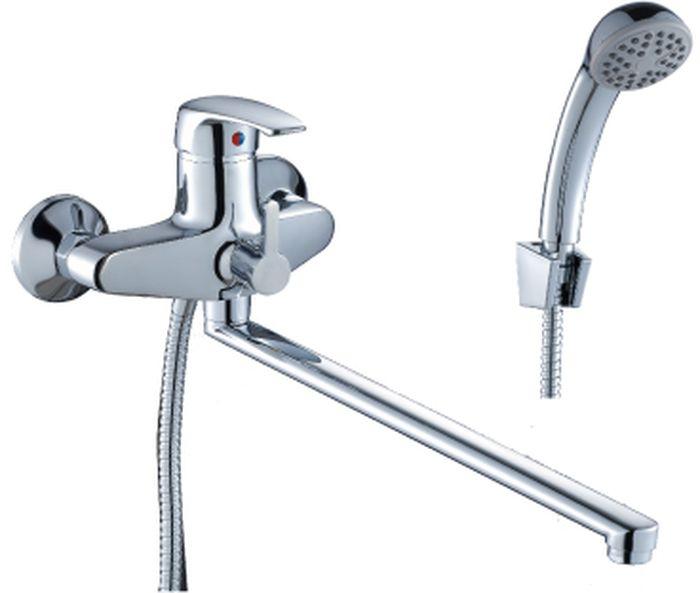 Смеситель Rossinka, для ванны. F40-32F40-32F40-32. Смеситель универсальный с плоским поворотным изливом 350 мм.Комплектация:• пластиковый аэратор с функцией легкой очистки• керамический картридж 40 мм• переключатель с керамическими пластинами• аксессуары в комплекте (шланг 1,5 м, настенное крепление, 1-функциональная лейка с функцией легкой очистки)• присоединительная группа (эксцентрики с отражателями) для вертикального крепления• металлическая рукояткаСмесители Rossinka были разработаны российским институтом «НИИ Сантехники», что позволило произвести продукт, максимально подходящий под условия эксплуатации в нашей стране (жесткая вода, частые перепады температуры и напора воды).«НИИ Сантехники» рекомендует установку смесителей Rossinka в жилых помещениях, в детских, лечебно-профилактических, дошкольных и школьных учреждениях.Наличие международного сертификата ISO 9001 гарантирует стабильность качества выпускаемой продукции.Сервисная сеть насчитывает 90 гарантийных мастерских по России и странам СНГ.Плановый срок службы смесителей 30 лет.Гарантия на смесители 7 лет.