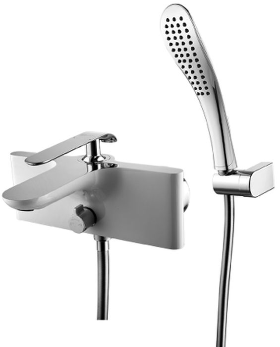 Смеситель Lemark Melange, для ванныLM4914CWMELANGE LM4914CW.Смеситель для ванны с монолитным изливом.Комплектация:• скрытый аэратор Neoperl® Slim SSR с изменяемым углом подачи воды• керамический картридж Sedal® 35 мм• переключатель с керамическими пластинами• аксессуары в комплекте: шланг 1,5 м, настенное поворотное крепление, 1-функциональная лейка• металлическая рукояткаСмесители LEMARK рассчитаны на 30 лет комфортной эксплуатации.В них соединены современные технологии производства и продуманный конструктив. Установлены комплектующие от известных мировых производителей, являющихся лидерами в своих сегментах:• немецкие аэраторы Neoperl – устройства, регулирующие расход воды;• керамические картриджи и кран-буксы испанской фирмы Sedal.Вся продукция LEMARK устанавливается не только в частном секторе, но и с успехом эксплуатируется в офисах Hewlett-Packard, Walt Disney Studios Sony Pictures Releasing, Mail.ru Group, а также в новом терминале аэропорта «Толмачево» в Новосибирске.Сегодня на смесители LEMARK установлен беспрецедентный 10-летний период бесплатного сервисного обслуживания. Данное условие действует, даже если монтаж изделий производится покупателями cамостоятельно.Сервисная сеть насчитывает 90 гарантийных мастерских по России и странам СНГ.