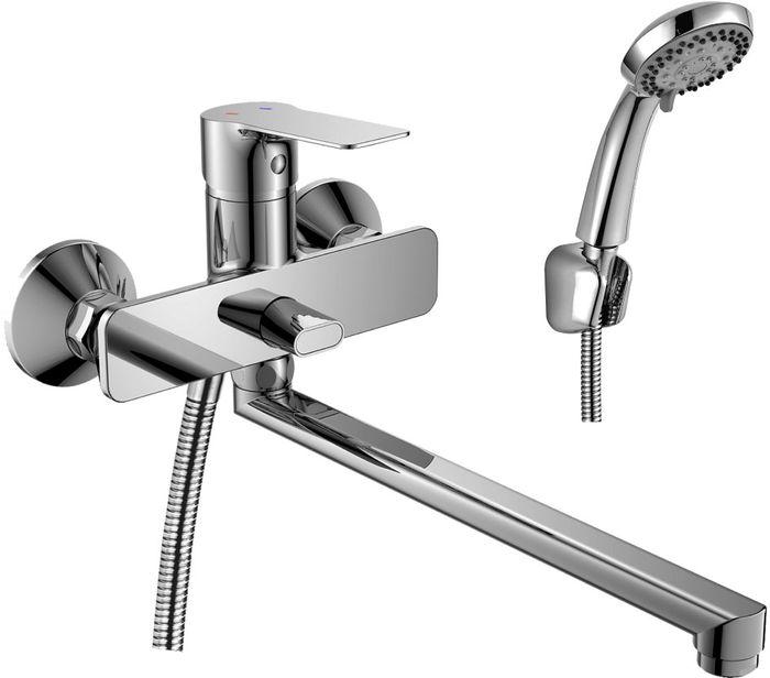 Смеситель Rossinka, для ванны, универсальный. RS27-33RS27-33RS27-33. Смеситель универсальный с плоским поворотным изливом 350 мм.Комплектация:• пластиковый аэратор с функцией легкой очистки• керамический картридж 35 мм• переключатель с керамическими пластинами• аксессуары в комплекте (шланг 1,5 м, настенное крепление, 1-функциональная лейка с функцией легкой очистки)• присоединительная группа (эксцентрики с отражателями) для вертикального крепления• металлическая рукояткаСмесители Rossinka были разработаны российским институтом «НИИ Сантехники», что позволило произвести продукт, максимально подходящий под условия эксплуатации в нашей стране (жесткая вода, частые перепады температуры и напора воды).«НИИ Сантехники» рекомендует установку смесителей Rossinka в жилых помещениях, в детских, лечебно-профилактических, дошкольных и школьных учреждениях.Наличие международного сертификата ISO 9001 гарантирует стабильность качества выпускаемой продукции.Сервисная сеть насчитывает 90 гарантийных мастерских по России и странам СНГ.Плановый срок службы смесителей 30 лет.Гарантия на смесители 7 лет.