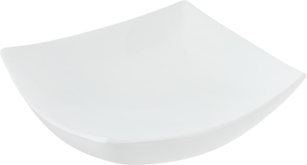Тарелка глубокая Luminarc Quadrato, 19,5 х 19,5 смH3659Глубокая тарелка Luminarc Quadrato выполнена из ударопрочного стекла и имеет изысканный внешний вид. Изделие сочетает в себеизысканный дизайн с максимальной функциональностью. Она прекрасно впишется в интерьер вашей кухни и станет достойным дополнением к кухонному инвентарю. Тарелка Luminarc Quadrato подчеркнет прекрасный вкус хозяйки и станет отличным подарком. Размер тарелки (по верхнему краю): 19,5 х 19,5 см.Высота тарелки: 5 см.