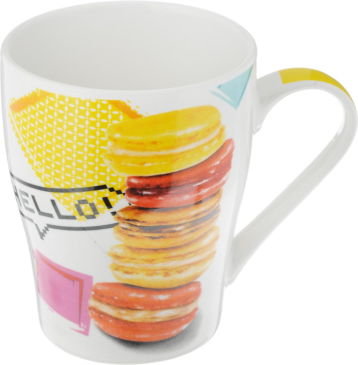 Кружка Loraine Десерт, цвет: белый, желтый, красный, 340 мл. 2657126571Кружка Loraine Десерт изготовлена из прочного качественного костяного фарфора. Изделие оформлено красочным рисунком. Благодаря своим термостатическим свойствам, изделие отлично сохраняет температуру содержимого - морозной зимой кружка будет согревать вас горячим чаем, а знойным летом, напротив, радовать прохладными напитками. Такой аксессуар создаст атмосферу тепла и уюта, настроит на позитивный лад и подарит хорошее настроение с самого утра. Это оригинальное изделие идеально подойдет в подарок близкому человеку. Диаметр (по верхнему краю): 8,5 см.Высота кружки: 10,5 см. Объем: 340 мл.