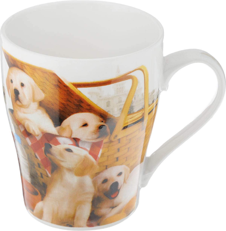 Кружка Loraine Собака, 340 мл. 2626Кружка Loraine Собака изготовлена из прочного качественного костяного фарфора. Изделие оформлено красочным рисунком. Благодаря своим термостатическим свойствам, изделие отлично сохраняет температуру содержимого - морозной зимой кружка будет согревать вас горячим чаем, а знойным летом, напротив, радовать прохладными напитками. Такой аксессуар создаст атмосферу тепла и уюта, настроит на позитивный лад и подарит хорошее настроение с самого утра. Это оригинальное изделие идеально подойдет в подарок близкому человеку. Диаметр (по верхнему краю): 8,5 см.Высота кружки: 10 см. Объем: 340 мл.