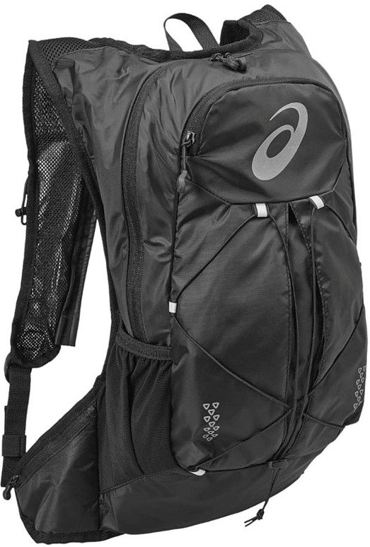 Рюкзак Asics Lightweight Running Backpack, цвет: черный131847-0946Это самый удобный рюкзак для бега с экипировкой, который прилегает к телу как спортивный топ. Все принадлежности останутся невредимыми в основном отделении на молнии. Благодаря плотному прилеганию и уплотнению со стороны спины вы совершенно не будете ощущать их. Эластичный ремень позволит прикрепить к рюкзаку куртку, когда станет жарко, и быстро надеть ее, когда погода изменится. Легкий компаньон для комфортного бега. Все, что нужно на средних дистанциях, находится под рукой в основном отделении, в удобных боковых карманах и на эластичном шнуре. Материал усиленного плетения гарантирует долговечность.