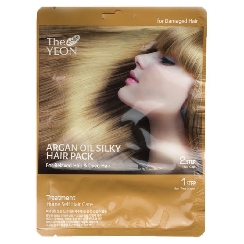 The Yeon Маска для волос с аргановым маслом, 20 гУТ-00000571Маска для волос с аргановым маслом предназначена для сухих и сильно поврежденных волос. Масло камелии, пантенол и компонент Saengmodan – это восстанавливающий волосы комплекс. Масло арганы (масло богов), обогащено витамином Е, олеиновой кислотой, линоленовой кислотой, которые питают и восстанавливают не только волосы, но и кожу головы. Компонент Saengmodan состоит из 11 ингредиентов, которые насыщают кожу и волосы питательными элементами.В комлекте маска 20 г и шапочка для волос.