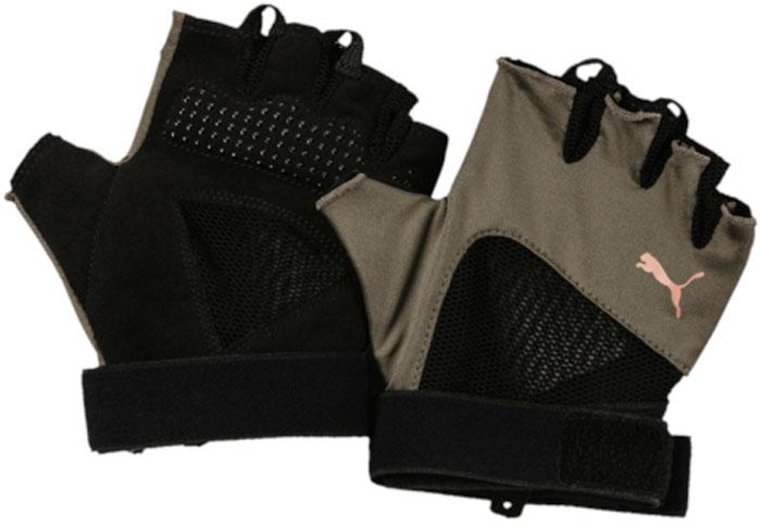 Перчатки для фитнеса женские Puma Combat Training Gloves, цвет: темно-зеленый. 04132801. Размер M (9)04132801Мягкая замша и дополнительная подложка на ладони и большом пальце перчаток обеспечивают комфорт и износостойкость, а покрытие из силиконовых точек улучшает захват. Вставки из сетчатого эластичного материала со стороны ладони и с тыльной стороны способствуют отличной вентиляции и идеальной посадке по руке, а регулируемая застежка на липучке облегчает процесс снимания и надевания перчатки. Также манжеты снабжены эластичной тесьмой, дважды охватывающей запястье, что способствует лучшей посадке. Перчатки декорированы логотипом PUMA, нанесенным на тыльную сторону.