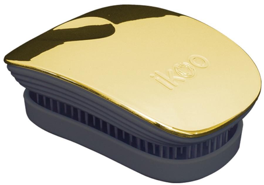 Ikoo Pocket Расческа для волос Black Soleil Metallic291006Уникальный подход щетки IKOO — расположение и структура щетинок, которые позволяют не только легко распутывать и расчесывать волосы, но и делать массаж головы в соответствии с принципами традиционной китайской медицины. Щетинки стимулируют энергетические меридианы и рефлексогенные зоны, что также положительно влияет на вегетативную нервную систему. Благодаря оптимальной степени твердости щетины, волосы распутываются легко и без вытягивания. Щетка ikoo сохраняет свою функциональность даже после долговременного использования.Щетки IKOO изготовлены из высококачественной смолы и акрила. Для комфортного использования корпус щетки отделан натуральной резиной, что помогает надежно удерживать щетку в руке. Скомбинировав эти три материала, мы избежали использования дерева и натуральной щетины, так как эти материалы подходят не для всех типов волос, а также труднее очищаются. Щетки IKOO соблюдают все гигиенические стандарты за счет своего состава. Во процессе разработки мы уделили большое внимание дизайну щетки, чтобы и правшам, и левшам было комфортно ей пользоваться.