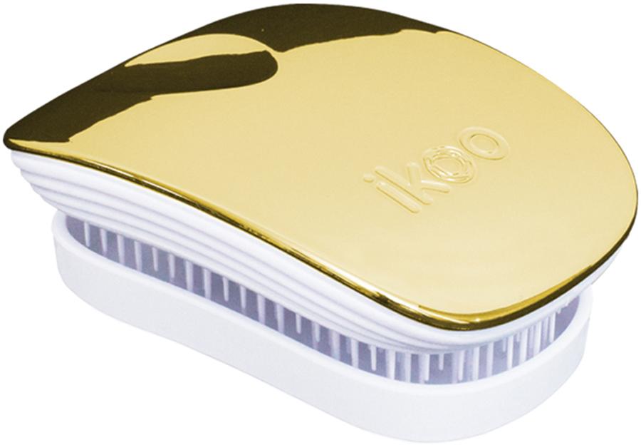 Ikoo Pocket Расческа для волос White Soleil Metallic291013Уникальный подход щетки IKOO — расположение и структура щетинок, которые позволяют не только легко распутывать и расчесывать волосы, но и делать массаж головы в соответствии с принципами традиционной китайской медицины. Щетинки стимулируют энергетические меридианы и рефлексогенные зоны, что также положительно влияет на вегетативную нервную систему. Благодаря оптимальной степени твердости щетины, волосы распутываются легко и без вытягивания. Щетка ikoo сохраняет свою функциональность даже после долговременного использования.Щетки IKOO изготовлены из высококачественной смолы и акрила. Для комфортного использования корпус щетки отделан натуральной резиной, что помогает надежно удерживать щетку в руке. Скомбинировав эти три материала, мы избежали использования дерева и натуральной щетины, так как эти материалы подходят не для всех типов волос, а также труднее очищаются. Щетки IKOO соблюдают все гигиенические стандарты за счет своего состава. Во процессе разработки мы уделили большое внимание дизайну щетки, чтобы и правшам, и левшам было комфортно ей пользоваться.
